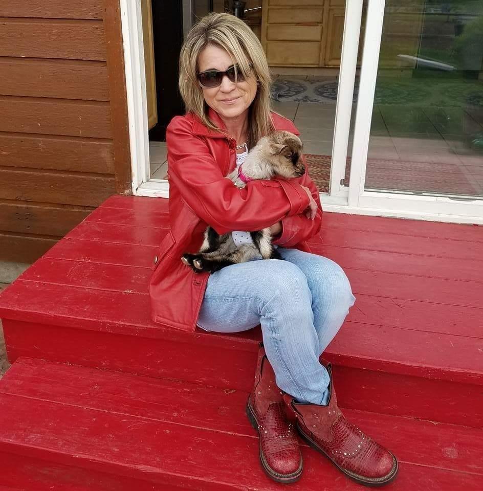 Kenna Winslow : Sales Associate